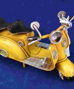 PICCOLO VESPA MODEL - GIALLO