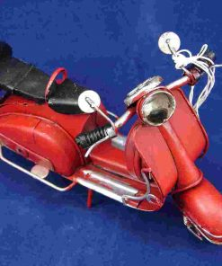 MEDIUM VESPA MODEL - RED